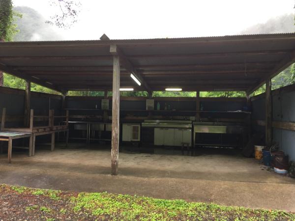 森林公園丹生ヤマセミの郷 キャンプ場の炊事棟